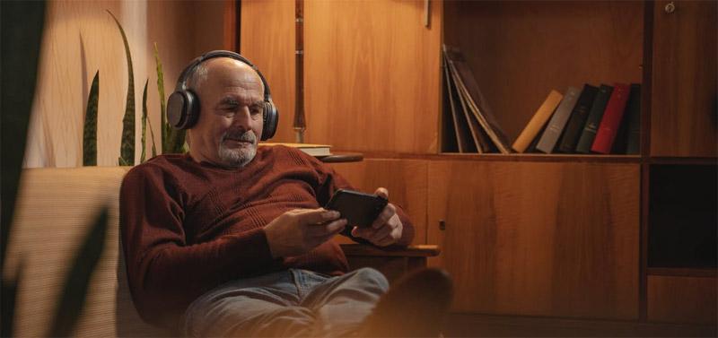 Elderly man gaming